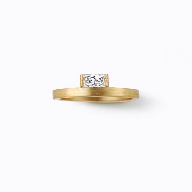 Baguillion Ring 04