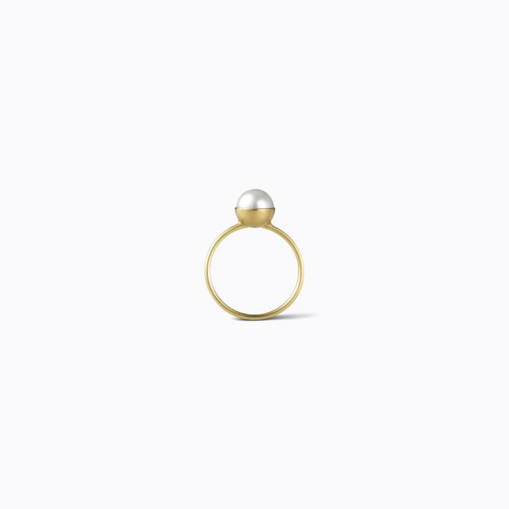 Half Pearl Ring 0°, yellow gold, matte finish