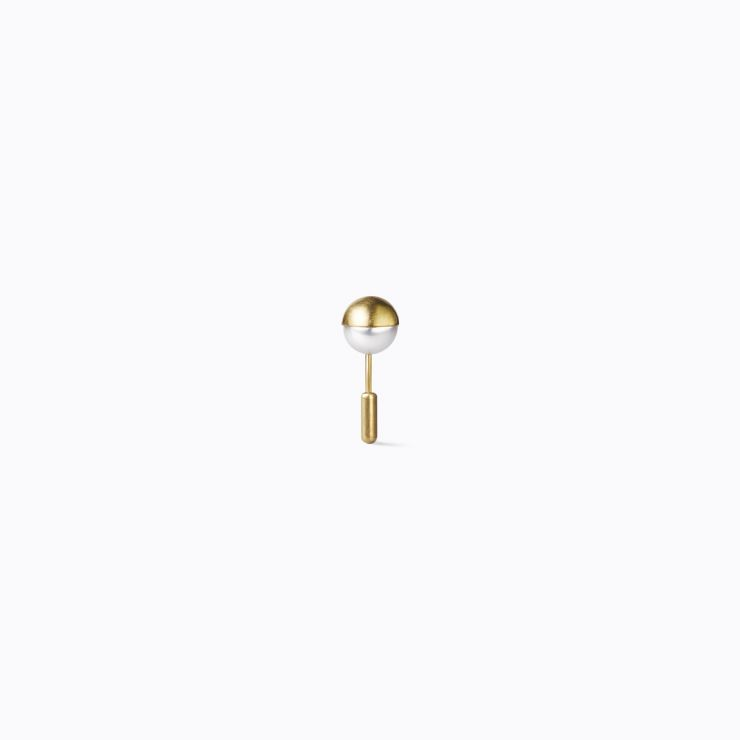 Half Pearl Earring 180°, yellow gold