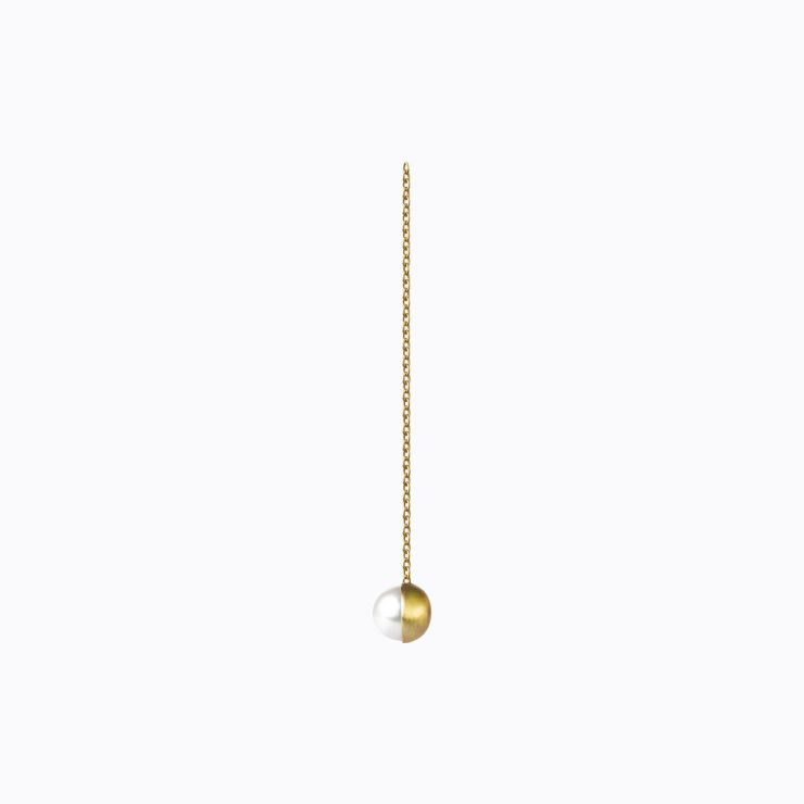 Half Pearl Chain Earring 90°, yellow gold