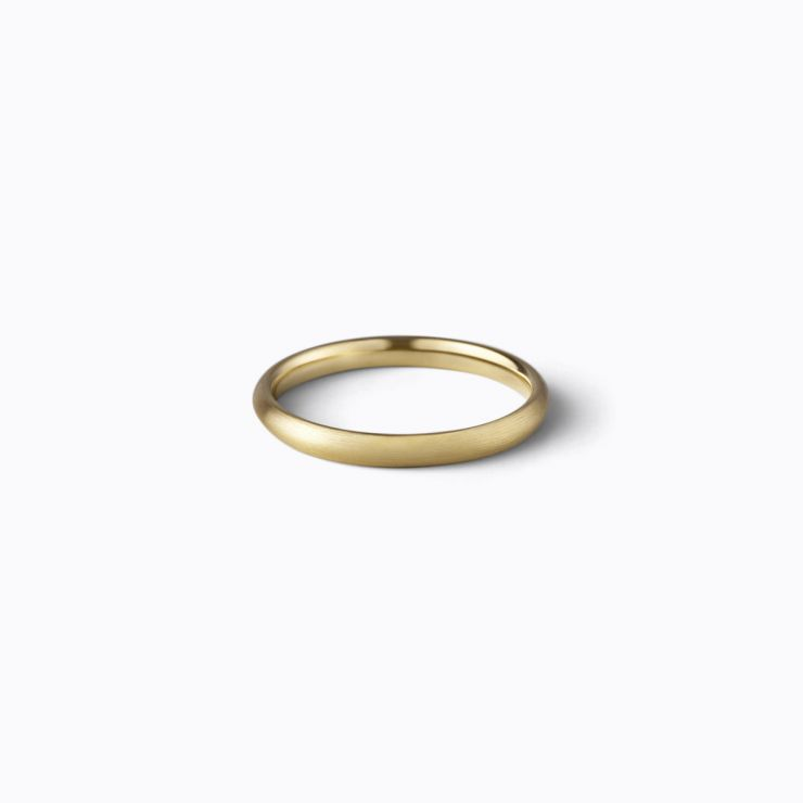 Oval Ring 2.0, yellow gold, matte finish