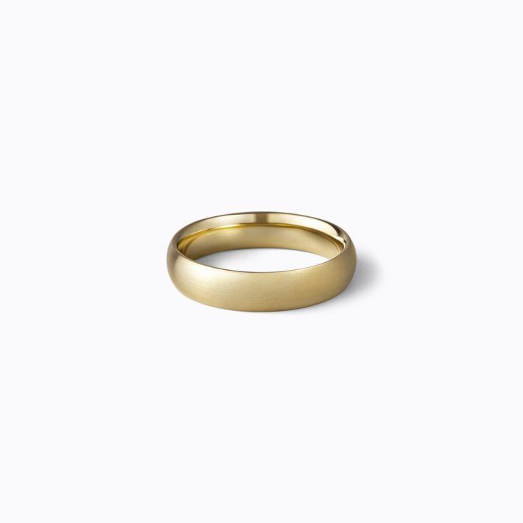 Oval Ring 4.5, yellow gold, matte finish