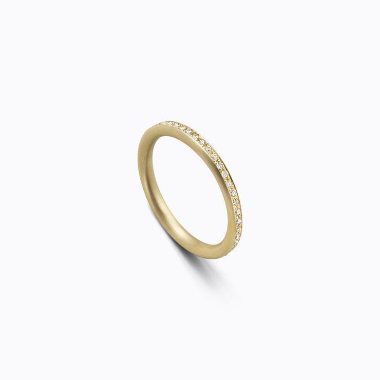 Full Eternity Ring 02 Outside, yellow gold, matte finish