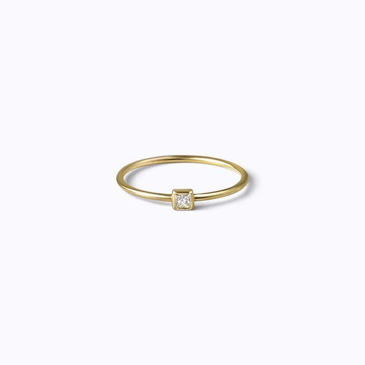 Petite Ring 02, yellow gold, matte finish